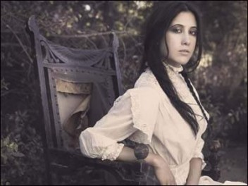 Vanessa_Carlton_s_musical_style_has_evolved_from_her_early