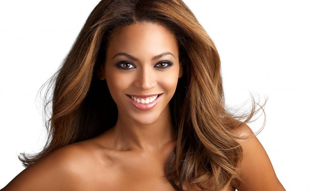 beyonce_knowles_face_desktop_wallpaper_77995-620x380