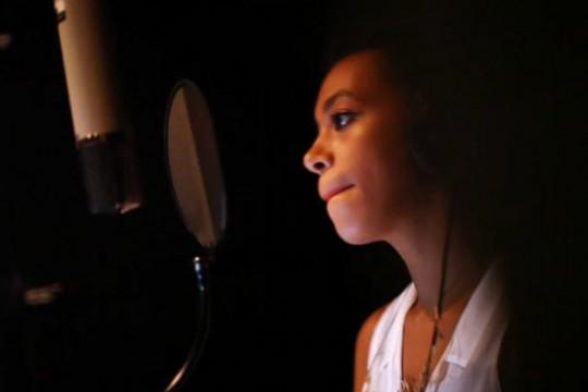 Solange-Knowles-Singing-Kenya-e1304275212238