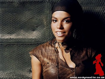 Ms_Dynamite_Official_Walpaper_4_800