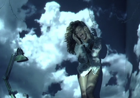 rihanna-wfl-video