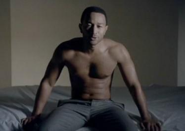 legend-shirtless