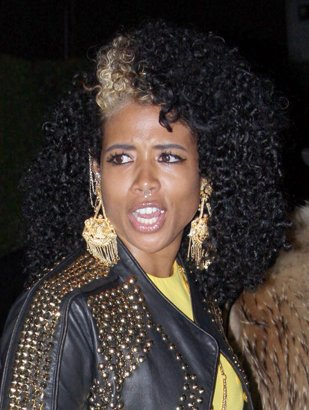 Singer+Kelis+seen+dressed+trendy+canary+yellow+uw6Iq5r_xrSl