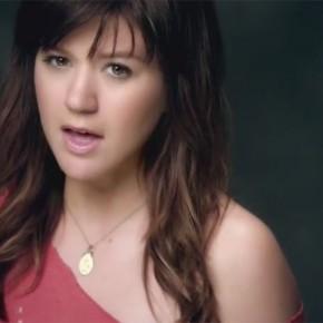 Video-Kelly-Clarkson-decouvrez-son-Dark-Side_portrait_w674