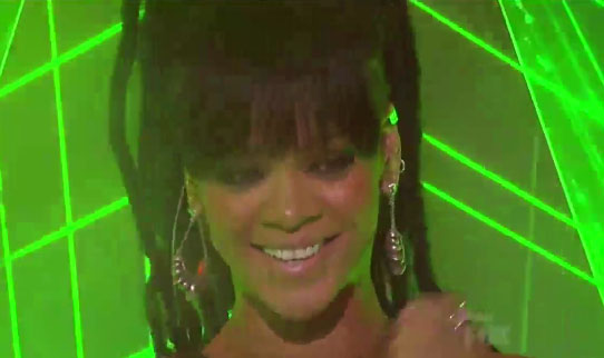 rihanna-american-idol_thelavalizard