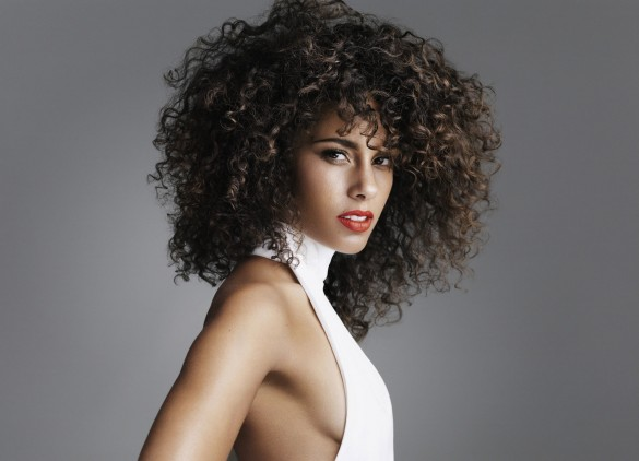 Alicia-Keys-Promo-585x422