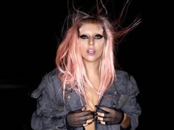 Lady_Gaga_DEC_4_CR_Polydor