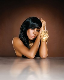 Kelly-Rowland_thenguide_867