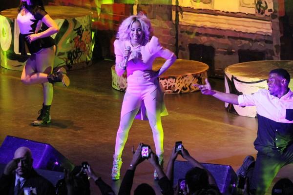 Keyshia+Cole+Keyshia+Cole+Woman+Woman+Tour+TfQDmzmeewRx