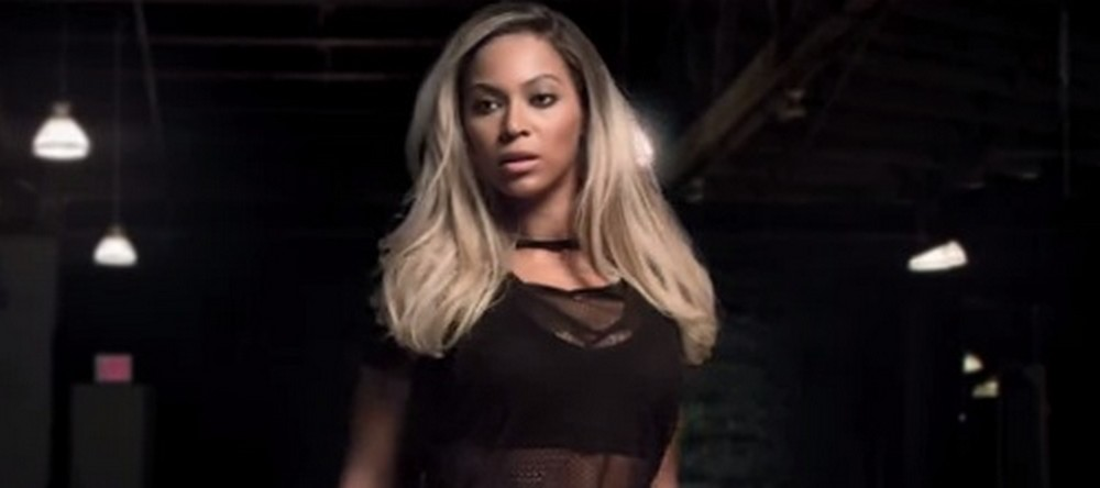bey-here-now-beyonce8