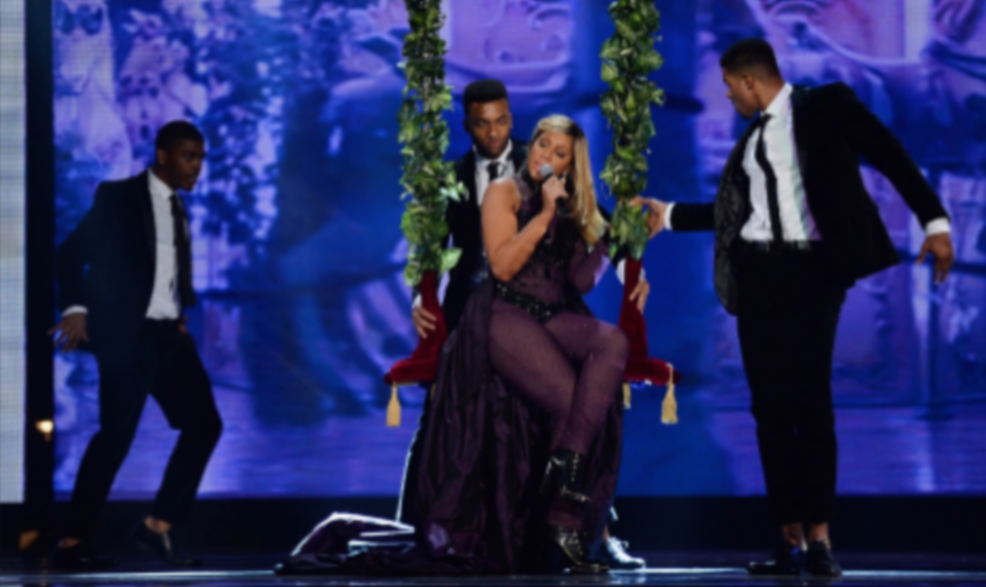 Tamar-Braxton-Performs-at-Soul-Train-Awards-2013