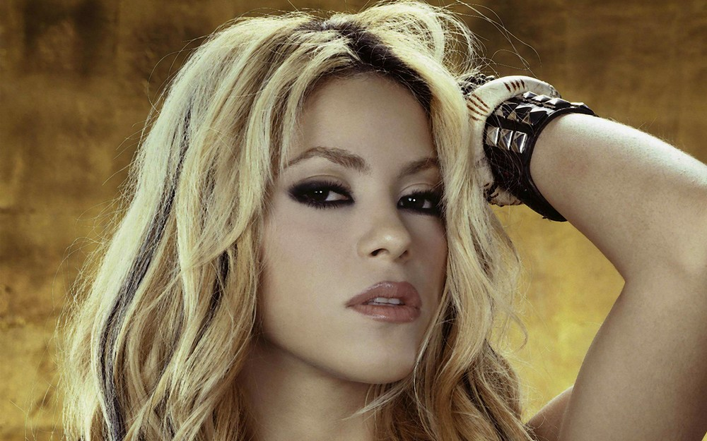 2013_07_Shakira-Wallpaper-HD9