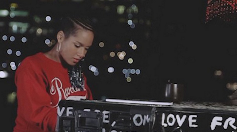 alicia-keys-i-am-here