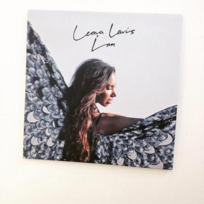 """Leona Lewis dévoile la pochette de  """"  I Am""""."""