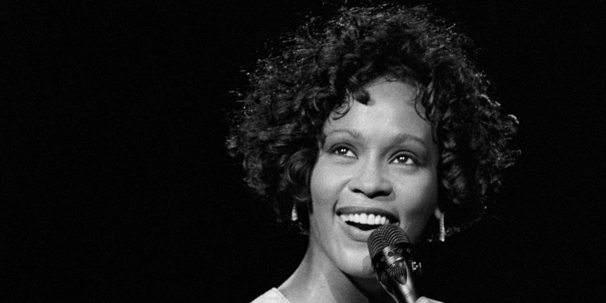 Whitney Houston performing at Radio City Music Hall in New York on July 20, 1993. (Photo by Ebet Roberts/Redferns)