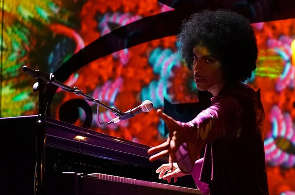 prince-live-piano