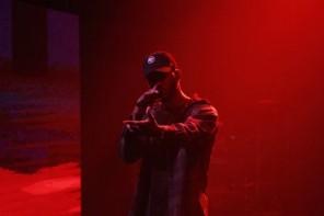[Live] Bryson Tiller défend son single «Exchange» chez Seth Meyers.
