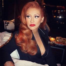 rs_600x600-160607080302-600.christina-aguilera-red-hair.6716