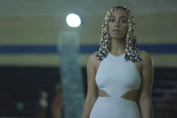 solange-dont-touch-my-hair-video-620x413